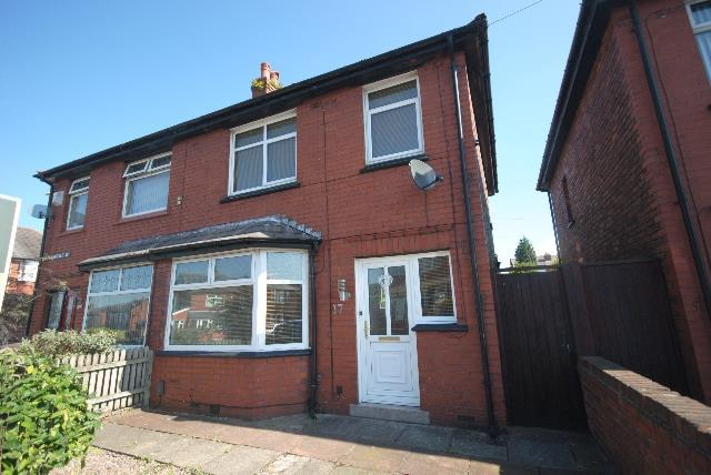 3 Bedrooms Property for sale in Langdale Avenue, Swinley